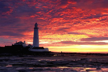 whitley-bay-lighthouse